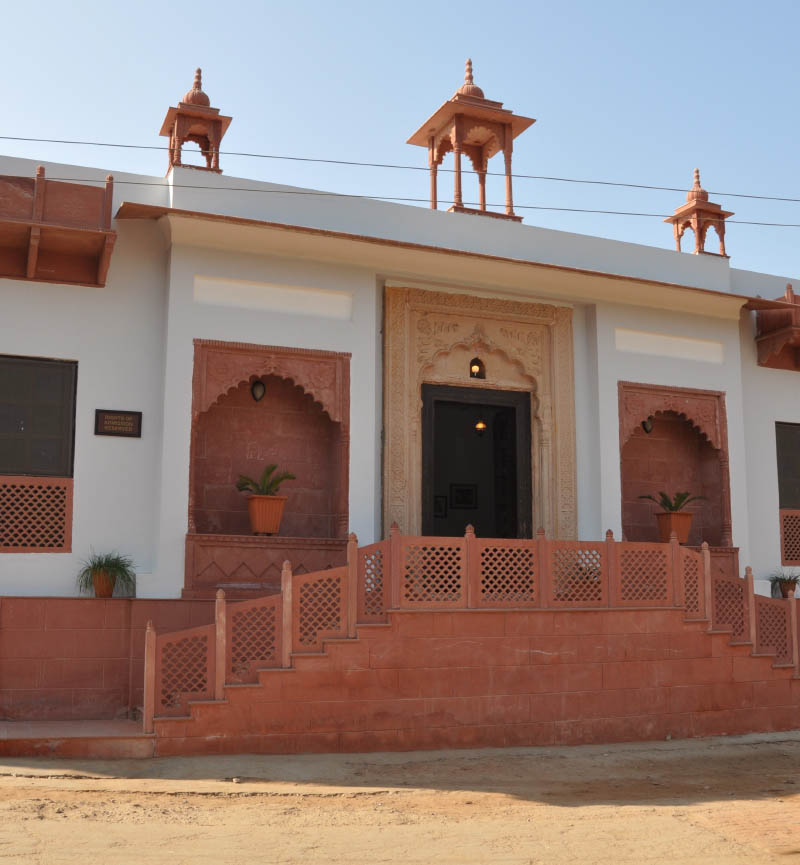best hotels in Bharatpur for family