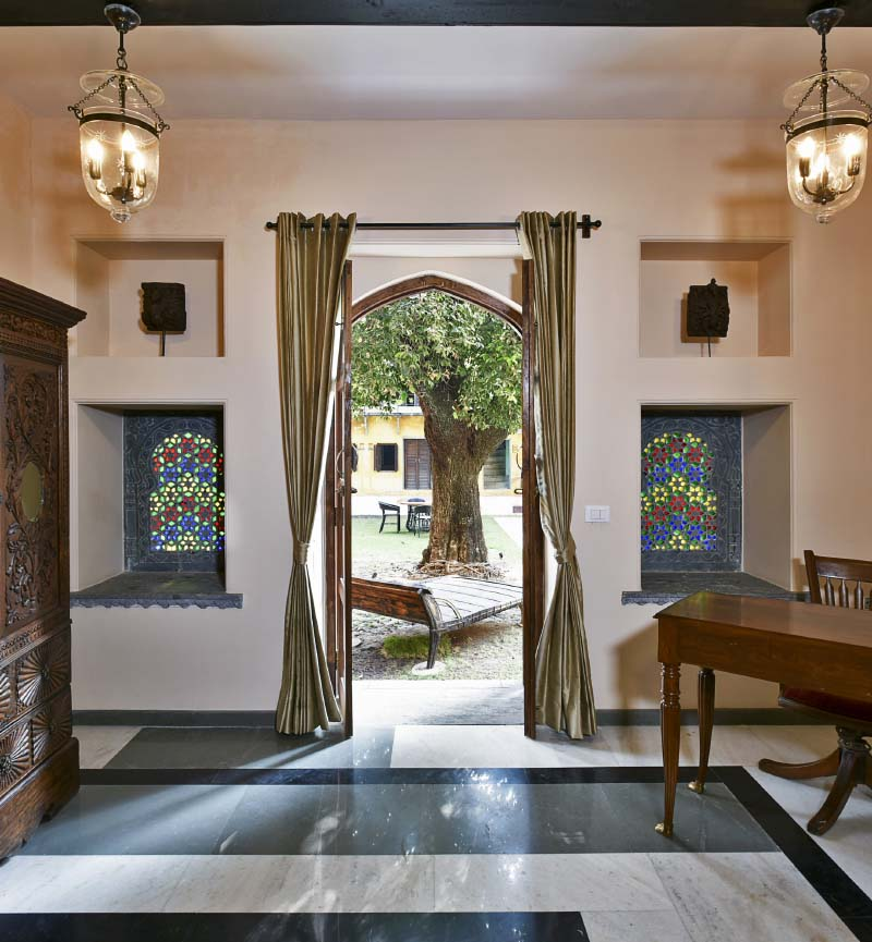 resorts in udaipur for couples